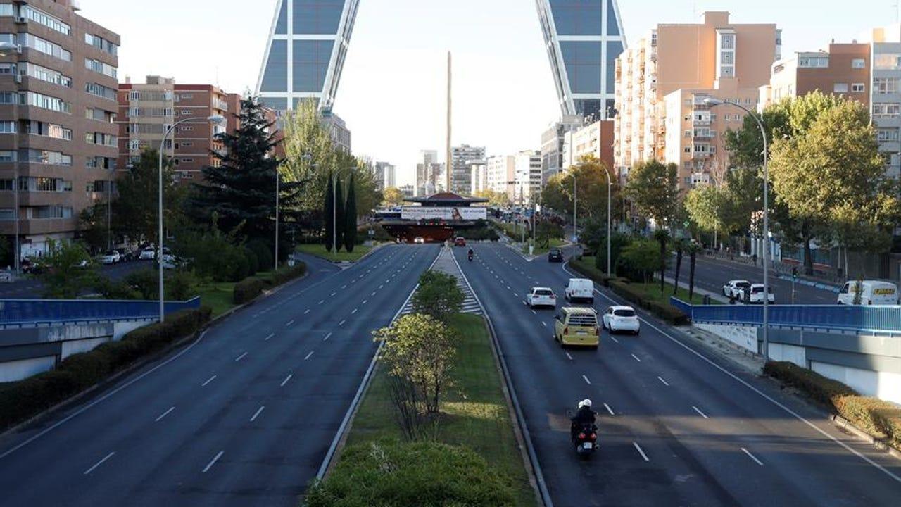 Vista del Paseo de la Castellana en Madrid, confinada perimetralmente