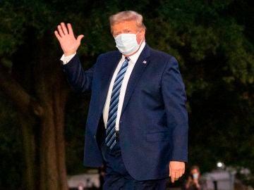 Donald Trump, a su salida del hospital
