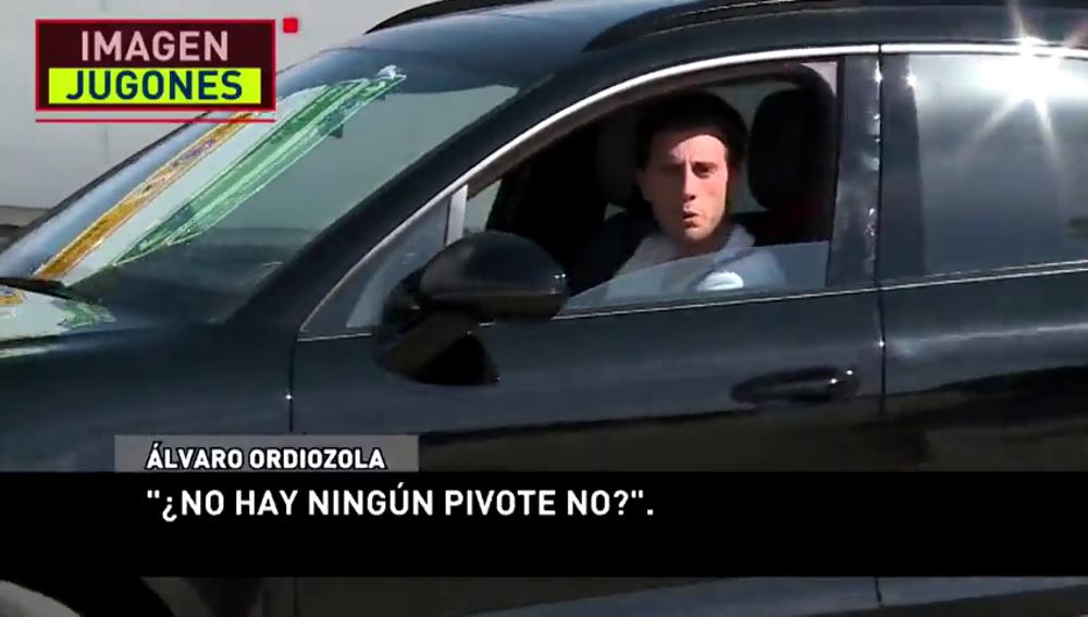 Álvaro Odriozola tira de ironía tras llevarse por delante un cono: ¿Hoy no hay?