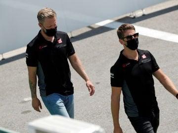 Grosjean y Magnussen, pilotos de Haas F1 Team