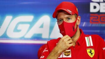 Sebastian Vettel, en rueda de prensa en el GP de Portimao