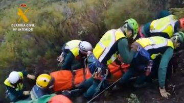 Guardia Civil acude a un accidente en el 'Iberian Classic Raid'