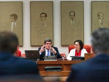 José Luis Escrivá y Magdalena Valerio en la Comisión del Pacto de Toledo