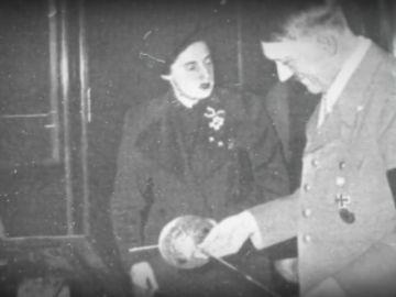 """Hitler, Pilar Primo de Rivera y una utópica dinastía fascista: """"Se sugirió organizar una unión sexual entre ambos"""""""