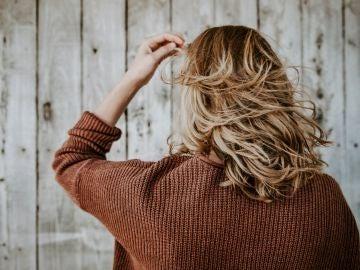 ¿Se te cae más el pelo en otoño? Esto es lo que debes hacer para evitarlo