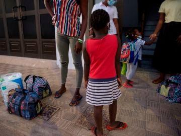 Ataques de ansiedad y llantos inconsolables: los efectos del polémico protocolo de separación de menores migrantes en Canarias
