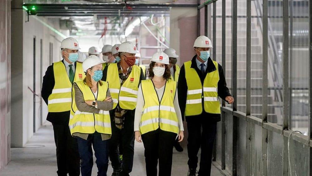 Díaz Ayuso visitó el viernes las obras de construcción del nuevo hospital