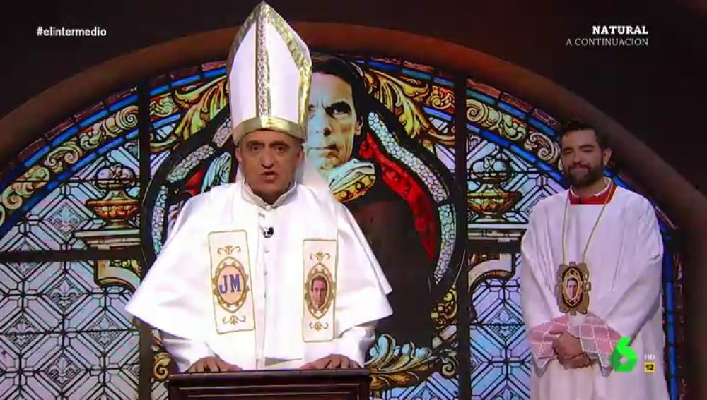 """El 'papa Wyoming' lee la palabra de Aznar: """"Él con los comunistas arrasa, porque a él nadie le dice a qué hora volver a casa"""""""