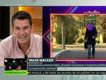 Arturo Valls se pone a prueba con 'Mask Walker': ¿Qué político se esconde bajo la máscara?