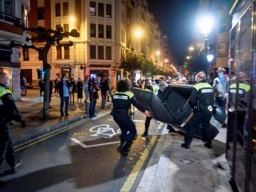 Disturbios en Santander por el toque de queda