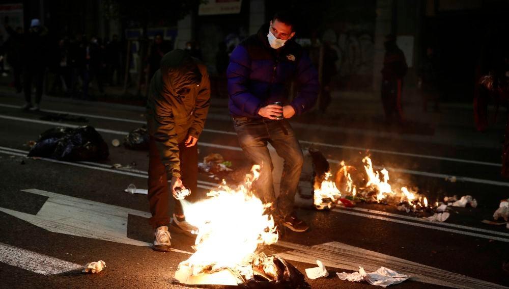 Graves disturbios en Madrid por el toque de queda