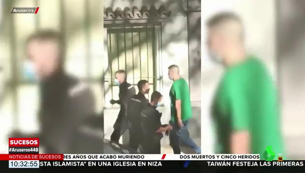 """¡Llevo una cabeza!"", así sembró el terror en las calles de Huelva el hombre que decapitó a un vecino"