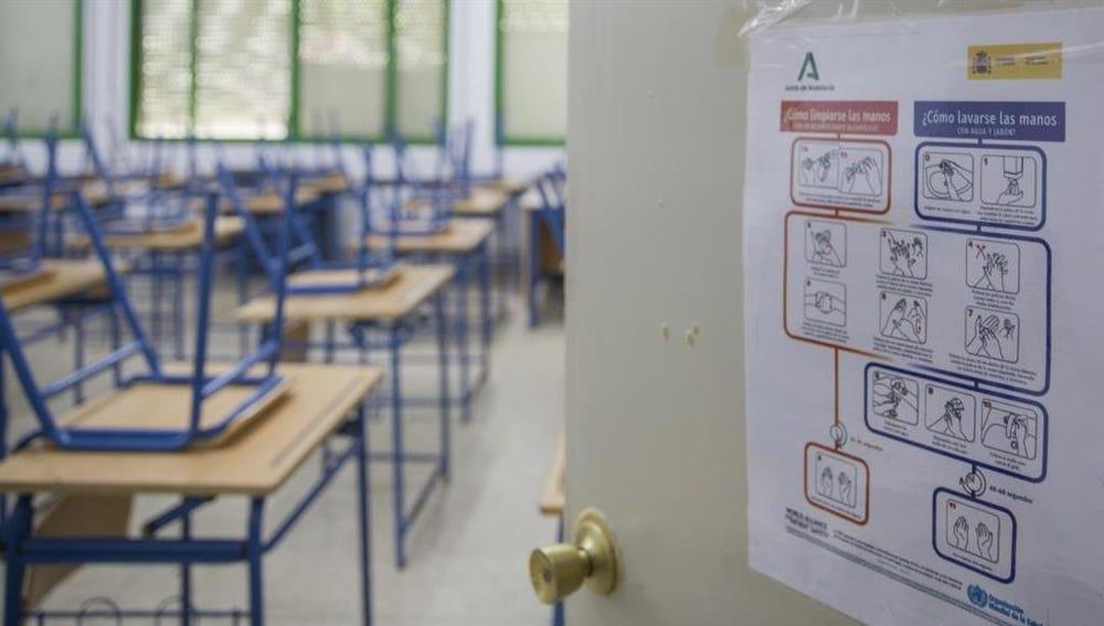 Imagen de archivo de una aula de un colegio
