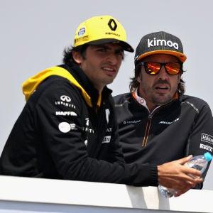 Carlos Sainz y Fernando Alonso en el GP de China