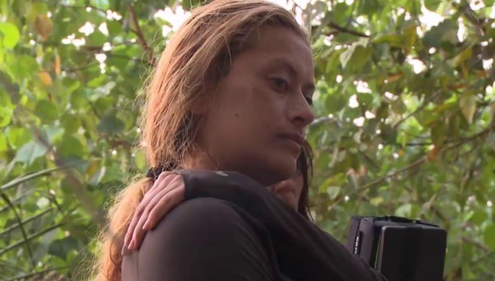 """El drástico incidente en el que un coco le da lleno a Lucy por 'culpa' del """"mal de ojo"""" de Natalia"""