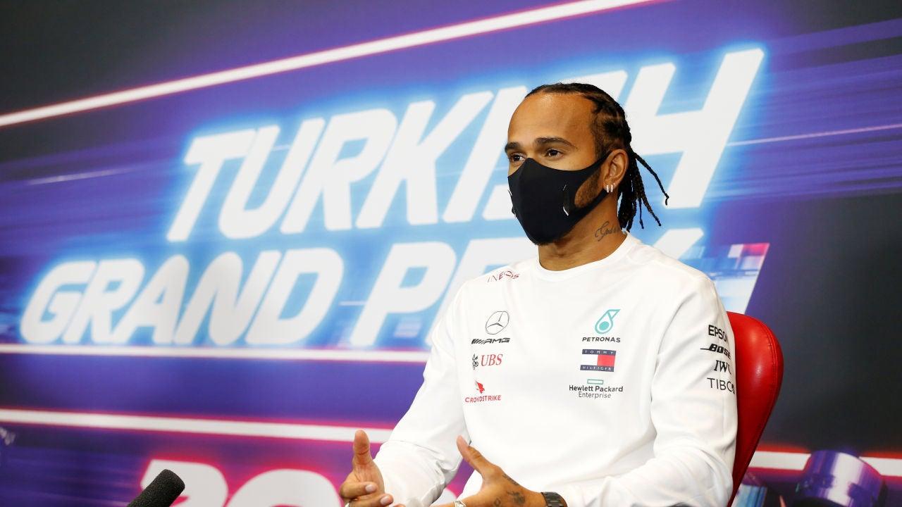 """Lewis Hamilton se queda: """"Quiero continuar con Mercedes"""""""