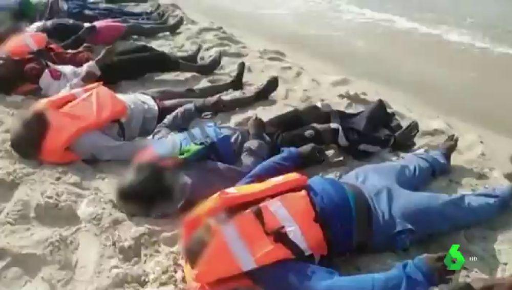 Migrantes fallecidos en la costa de Libia