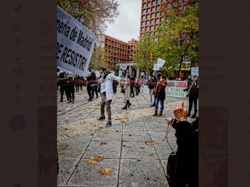 Imagen de la concentración de enfermeros y enfermeras frente al Ministerio de Sanidad