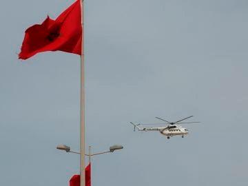 Un helicóptero de la ONU sobrevuela el puesto fronterizo de Guerguerat