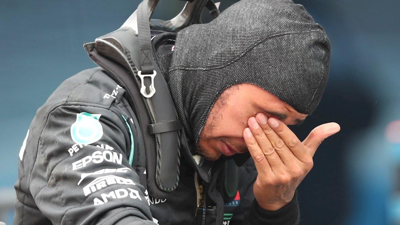 Lewis Hamilton, llorando tras ganar su séptimo Mundial