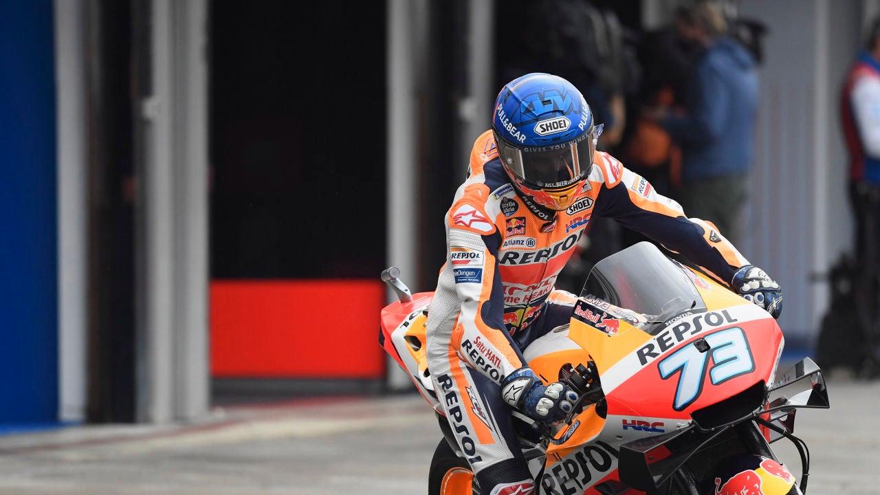 Alex Márquez durante los entrenamientos del GP de Valencia