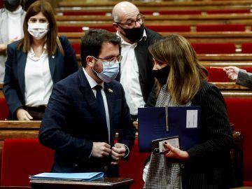 Elecciones catalanas 2021: El presidente en funciones de la Generalitat, Pere Aragonés, y la portavoz, Meritxell Budó