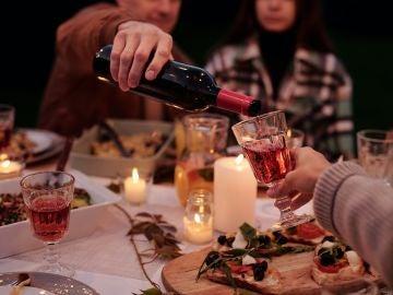 El 70% cenará solo o con los más íntimos