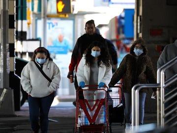 Datos del coronavirus en España: Sanidad notifica 9.331 nuevos contagios y 273 muertes por coronavirus