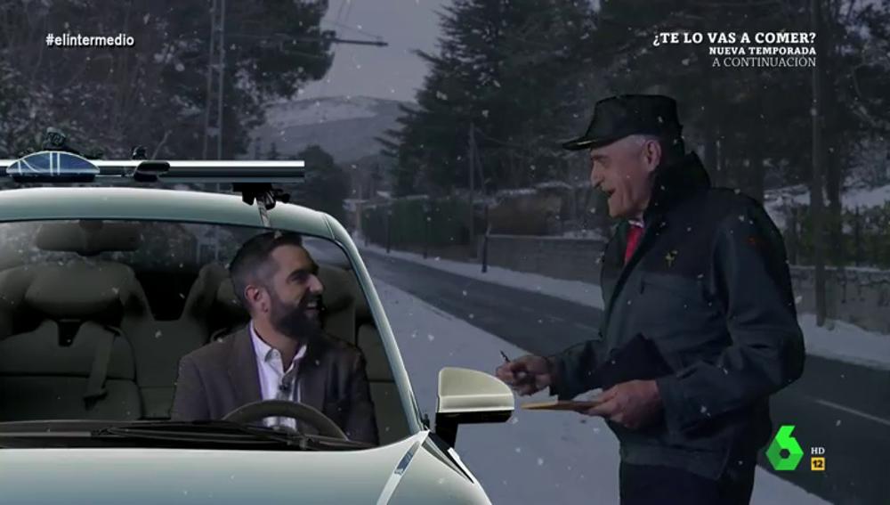 Dani Mateo y Wyoming te enseñan cómo podrás demostrar que viajas a ver a un allegado en Navidad
