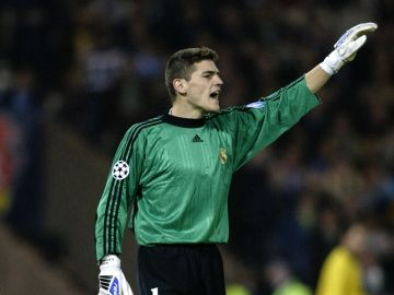 Iker Casillas, con el Real Madrid en 2002