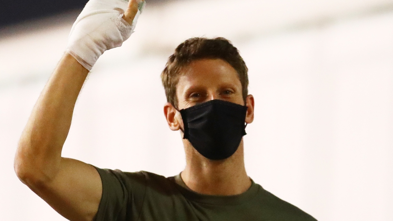 Romain Grosjean saluda