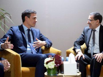 Pedro Sánchez, y el primer ministro de Marruecos, Saadeddine Othmani, durante una reunión