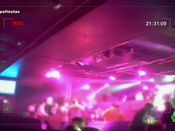 Equipo de Investigación descubre a multitud de jóvenes cantando y bailando sin protección en una discoteca de Madrid