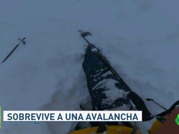 El angustioso momento en el que un esquiador queda atrapado en una avalancha