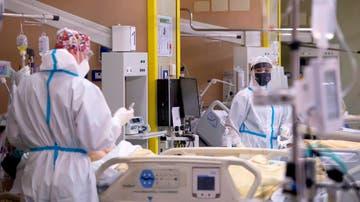 Imagen de archivo de sanitarios en un hospital de Italia