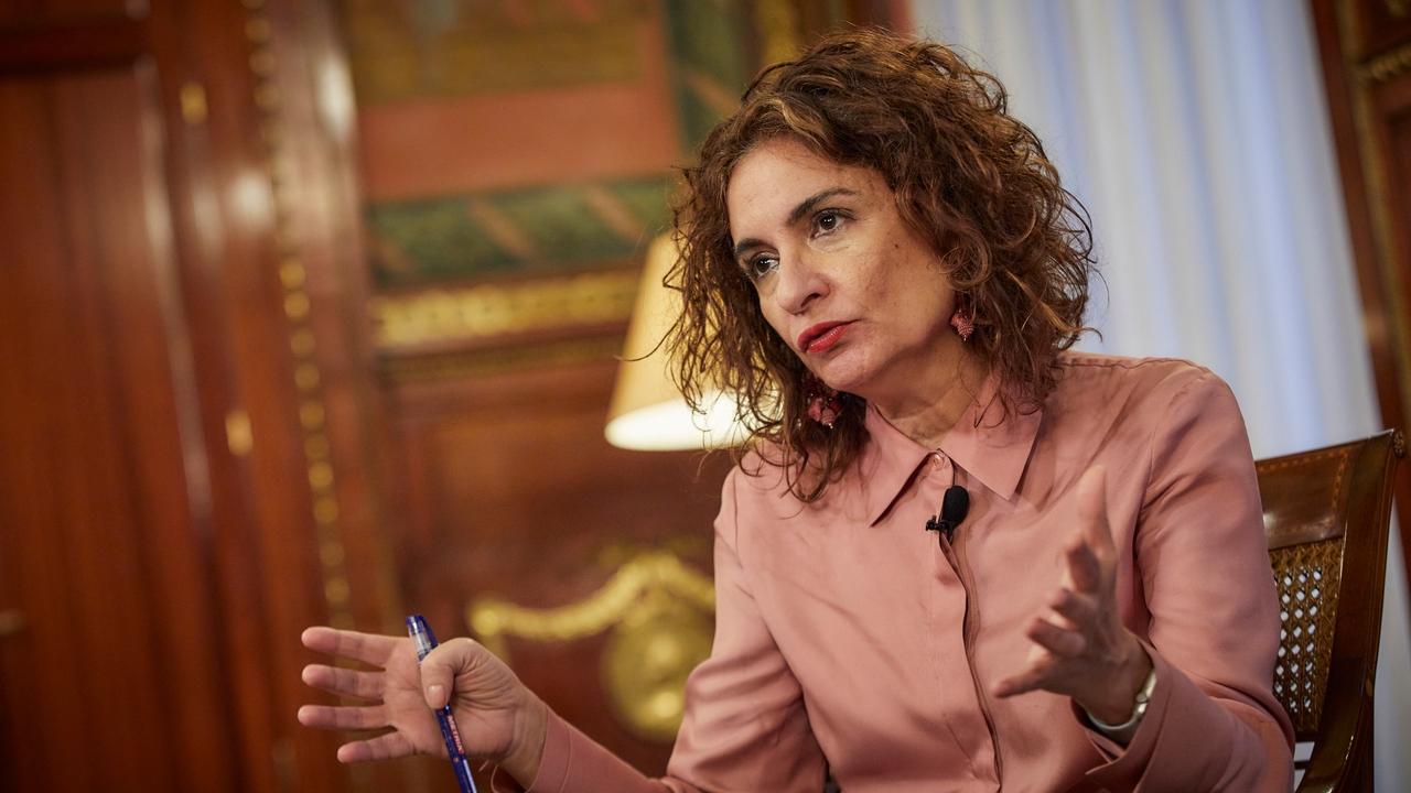 La ministra portavoz, María Jesús Montero, durante la entrevista