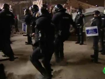 Tensión en el desalojo de la rave de Llinars del Vallès, tras 40 horas de macrofiesta ilegal