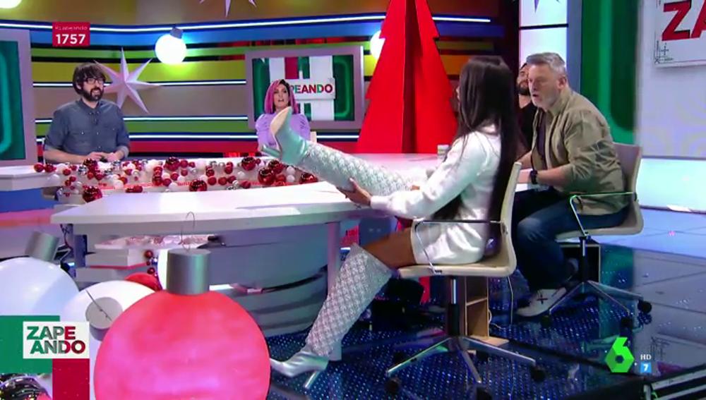 El momentazo en el que Cristina Pedroche aparece con sus espectaculares botas de cristales de las Campanadas 2020