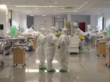 Imagen de pacientes en la UCI en Cantabria