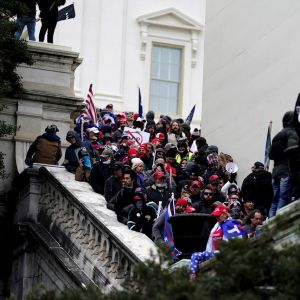 Seguidores de Trump irrumpen en el Capitolio