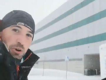 Un MIR llega a hacer guardia en su hospital bajo la nieve