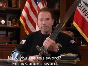 Schwarzenegger empuña la espada de Conan