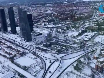 Las espectaculares imagenes aéreas de la nevada histórica de Madrid