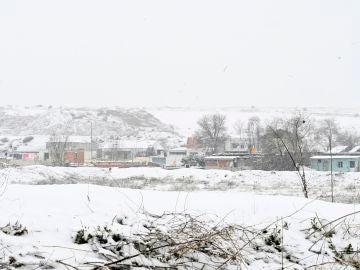 Vista de la Cañada Real cubierta de nieve en Madrid