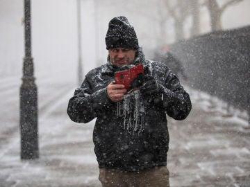 Los móviles y la ola de frío: ¿funcionan peor ante un temporal como Filomena?