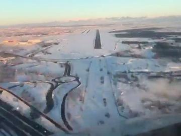 Aterrizaje de un avión en Barajas