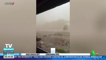 """La sorprendente reacción de un niño al presenciar un tornado: """"¿Vamos a sobrevivir?"""""""