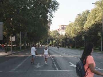 Imagen de archivo del Paseo del Prado peatonalizado para cumplir la distancia de seguridad