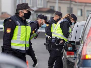 Control policial en una carretera