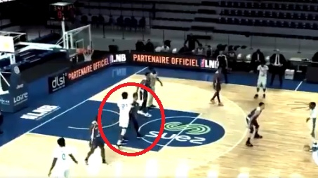 Puñetazo en el baloncesto francés